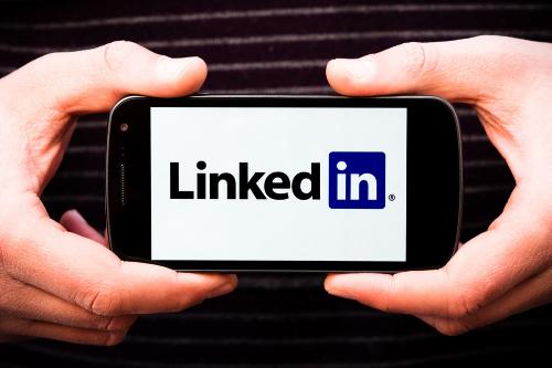 Buy-LinkedIn-followers-&-likes